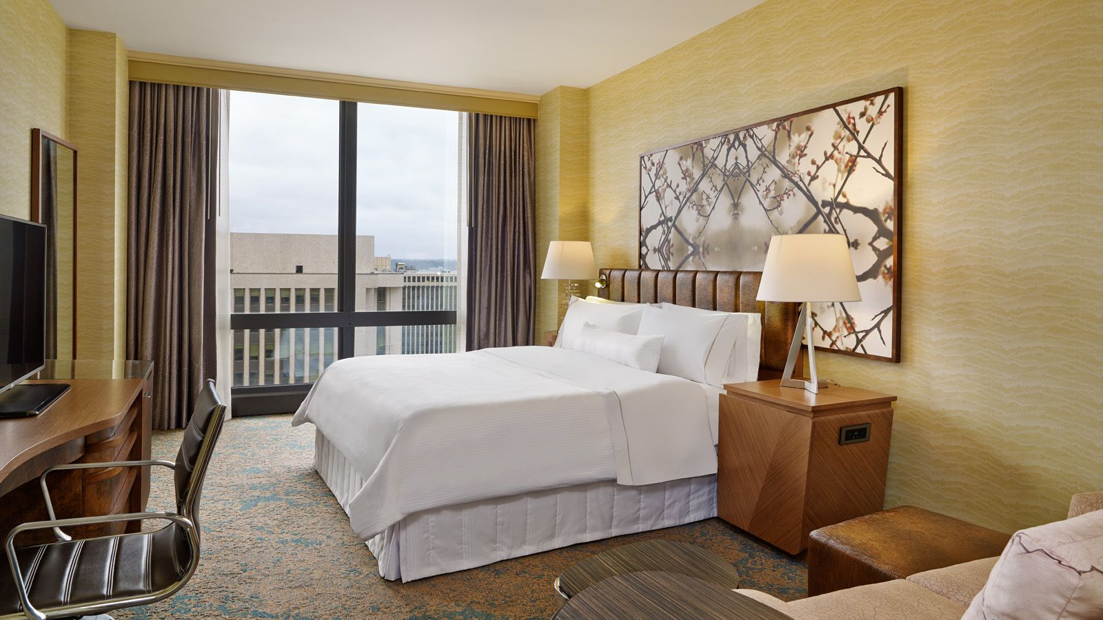 The Westin Crystal City Deluxe Guest Room